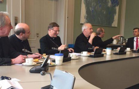 19-10-2016-bisschoppen-bij-sp-bijgesneden
