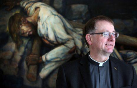01-04-2017-nieuwe-bisschop-groningenleeuwarden-ron-van-den-hout