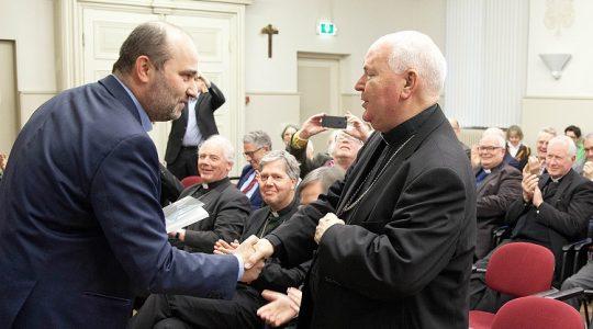Bisschop Wiertz presenteert op symposium zijn boek 'Missionair testament'