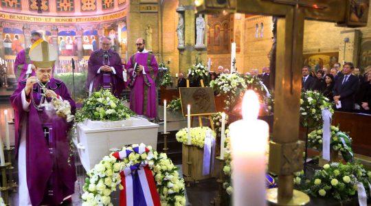 Eucharistieviering bij uitvaart oud-premier Ruud Lubbers in de kathedraal van Rotterdam