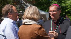Bisschop Van den Hout viert 25-jarig priesterjubileum tijdens Bonifatiusdagen in Dokkum