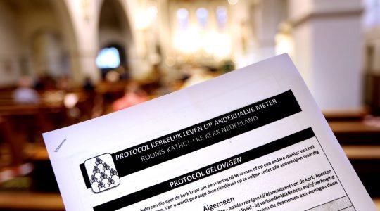 Enkele veel gestelde vragen met betrekking tot aanmelding en reservering in het protocol 'Kerkelijk leven op anderhalve meter'